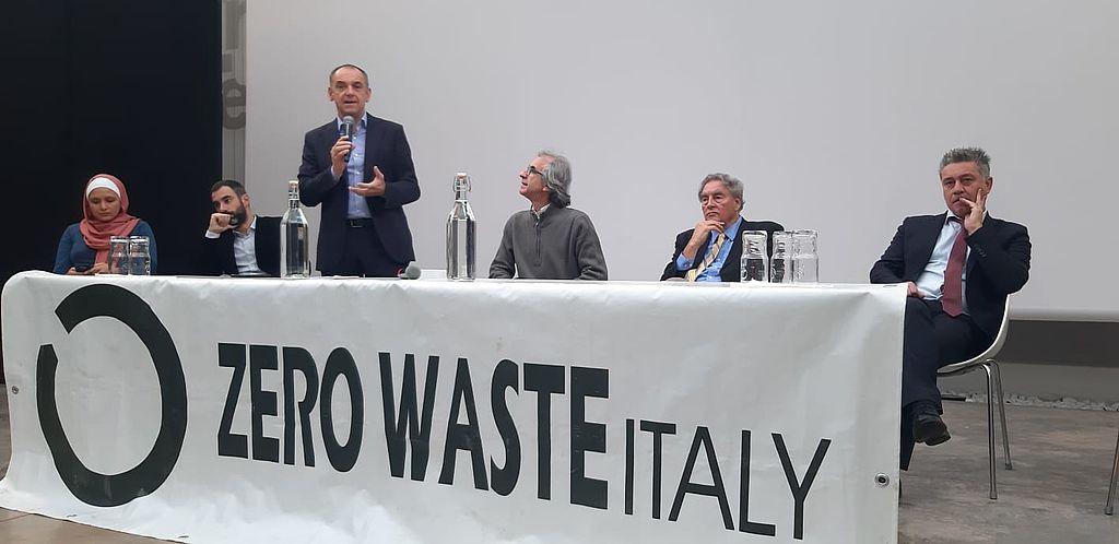 L'intervento del sindaco Menesini