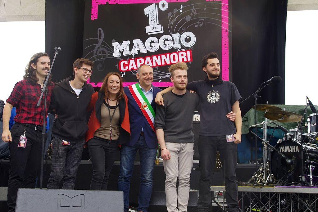 Il sindaco Menesini e l'assessore miccichè assieme ai BK, vincitori della scorsa edizione del contest