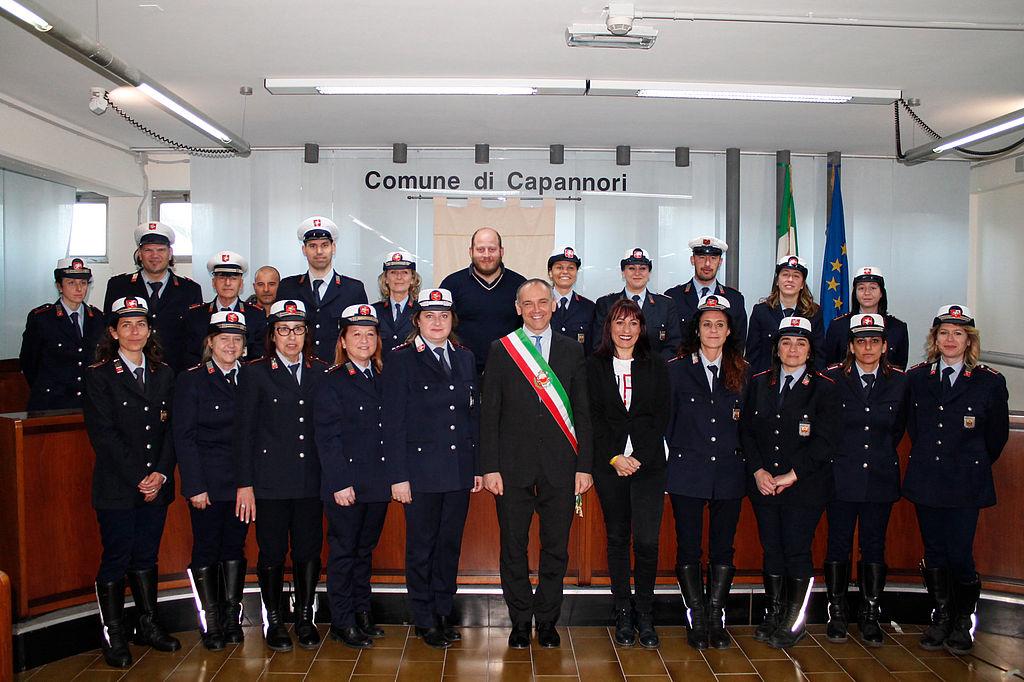 Il sindaco Menesini e l'assessore Miccichè assieme alla polizia municipale