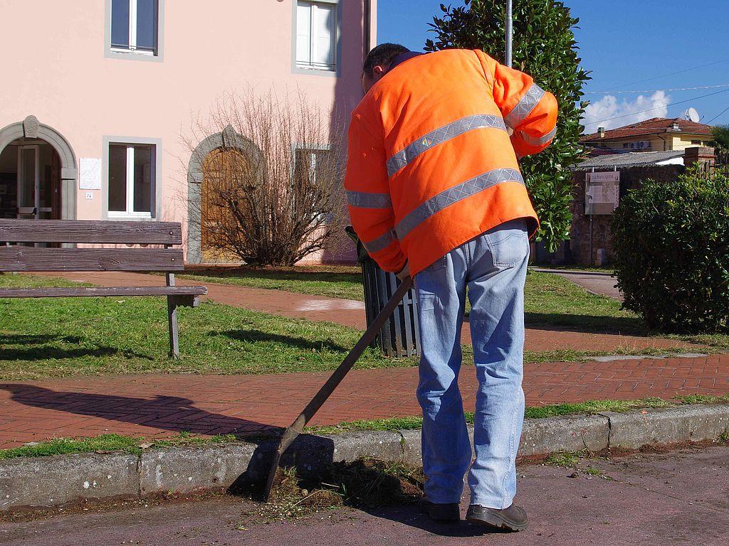 La pulizia di una piazza