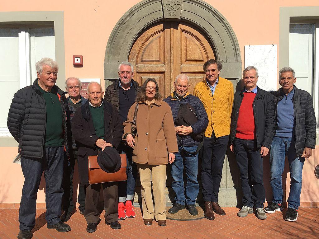 Pietro Luigi Biagioni assieme ai rappresentanti delle associazioni