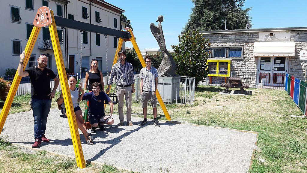 Nel parco l'assessore Del Carlo, la consigliera Miccichè e alcuni membri dell'associazione Jacopo ci sei