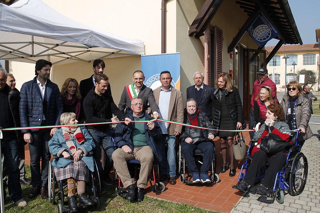 L'inaugurazione della sede provinciale di Luccasenzabarriere